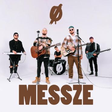 Pola - Messze