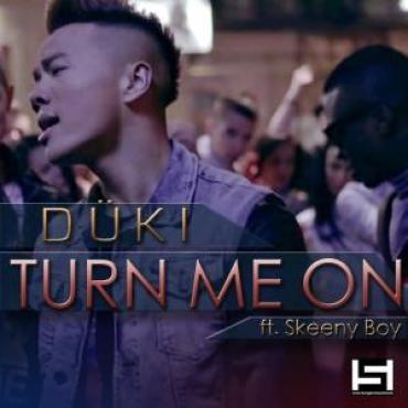 Düki - Turn me on